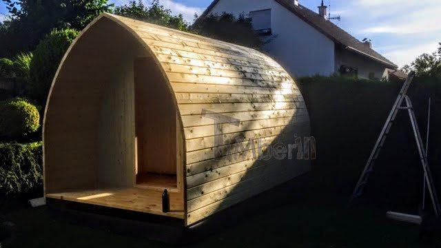 DIY Außensauna - Wände werden montiert